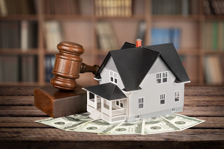 Los Angeles bankruptcy lawyers - House Real Estate Auction Law Residential Structure Gavel Legal System